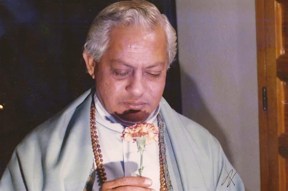 gururaj ananda yogi es uno de los maestros principales de la escuela del arte de vivir