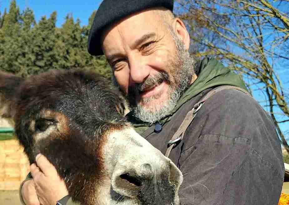 kiku mistu y su burro platero en el retiro de navidad y fin de año